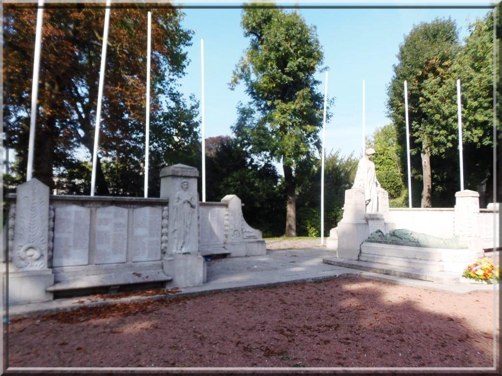 valenciennes-monument-aux-morts-_h.armbruster