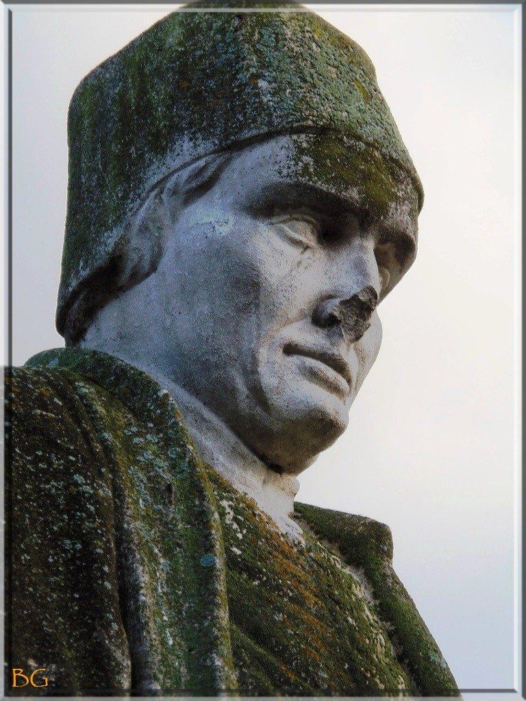 -7-Au service de sa Majesté dans art buste-jehan-froissart