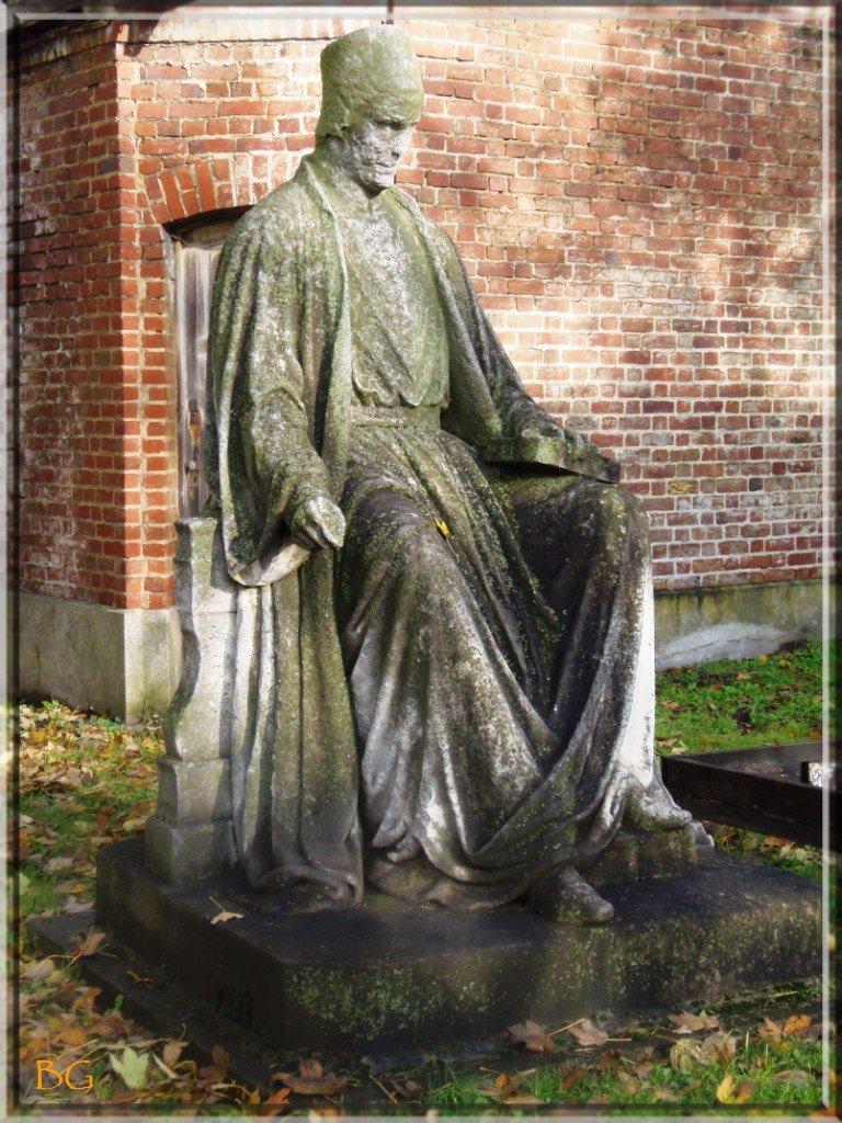 jehan-froissart-statue-originale