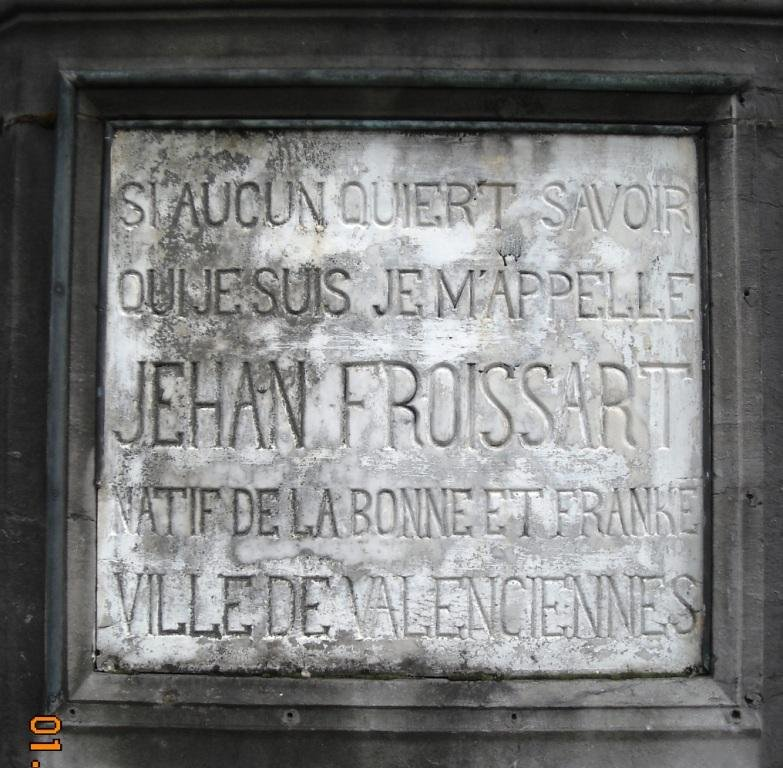valenciennes-place-jehan-froissart