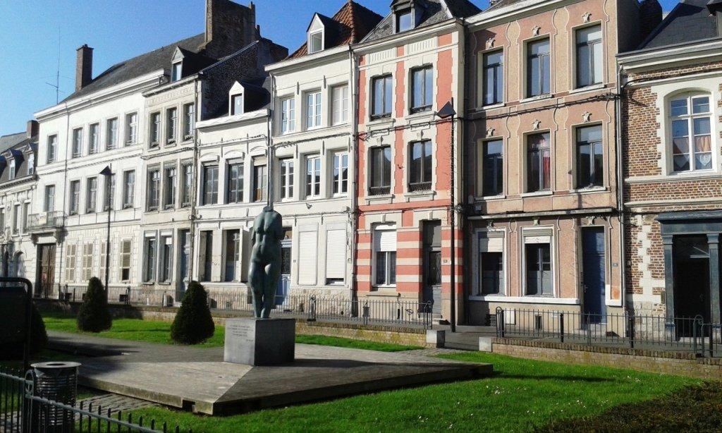 Valenciennes place du Neuf Bourg